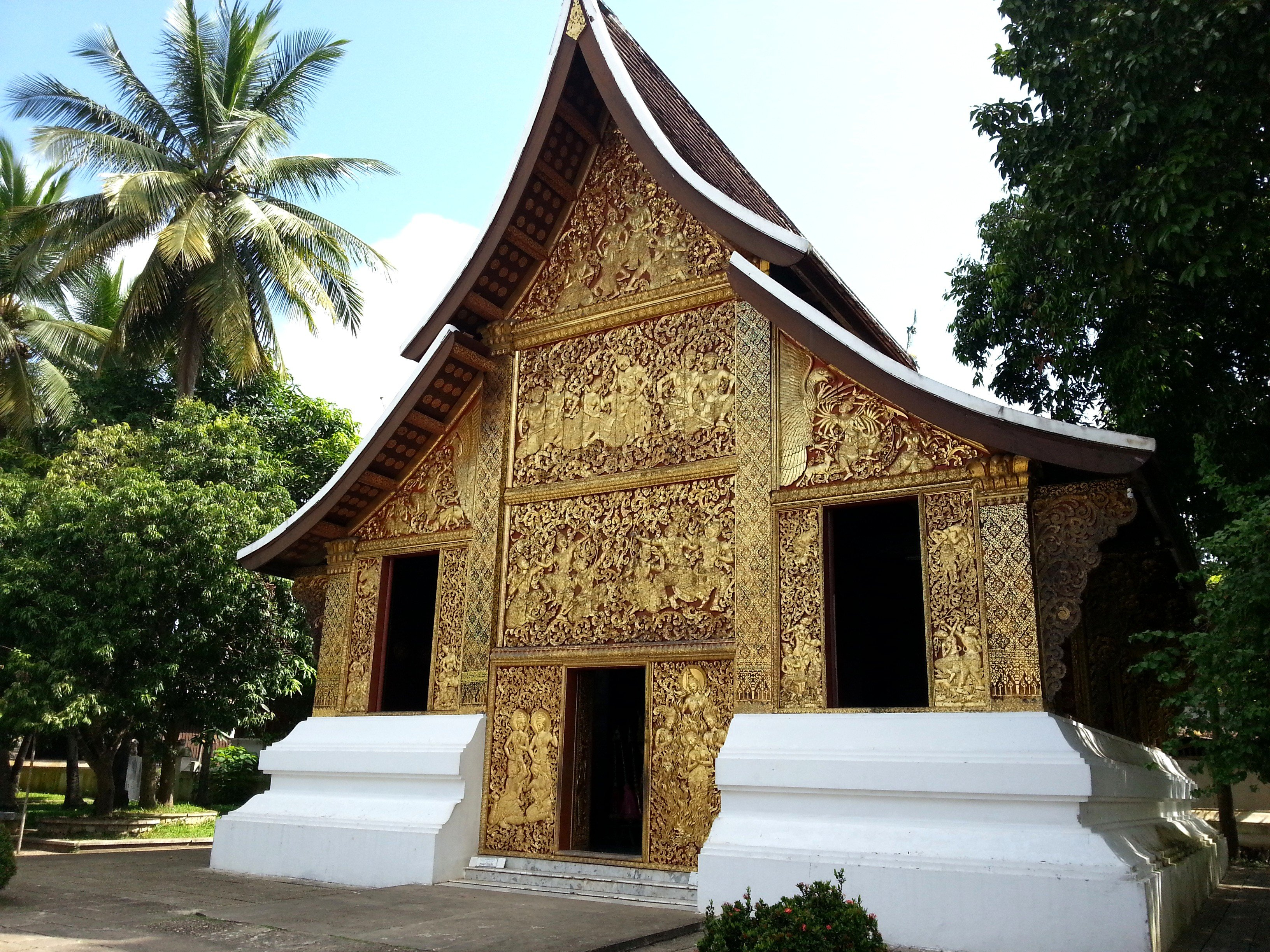 Front of the Chariot Hall at Wat Xieng Thong
