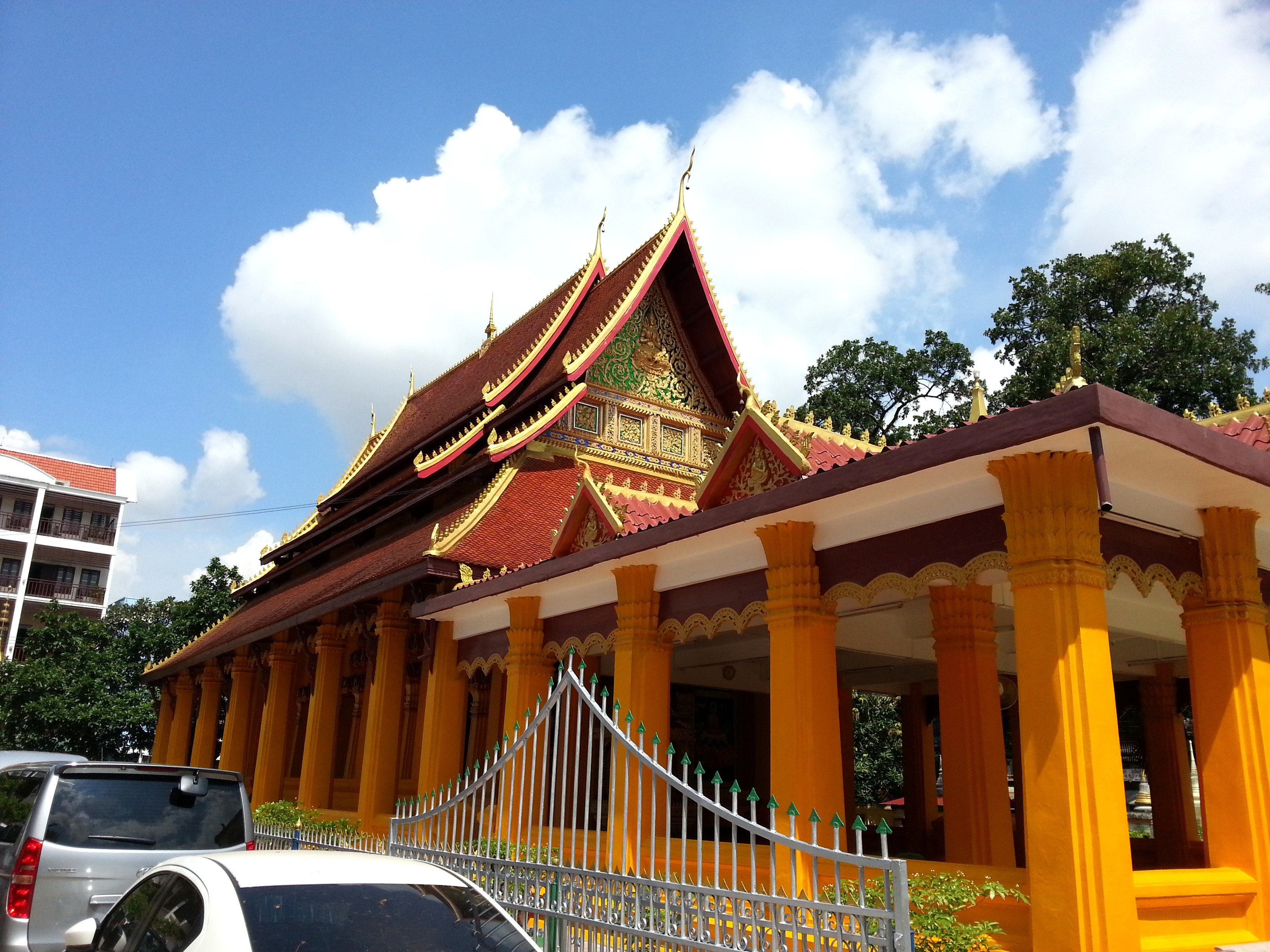 Thai style roof at Wat Mixai