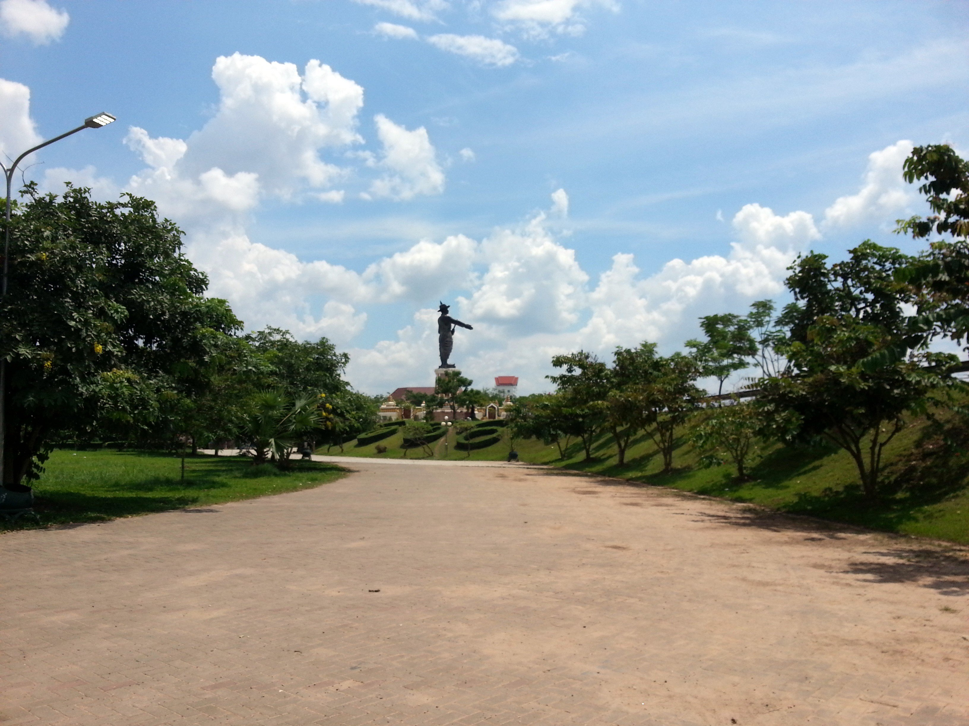 The statue is in Chao Anouvong Park
