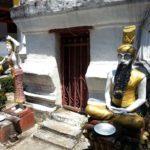 Statues at Wat Meun Na