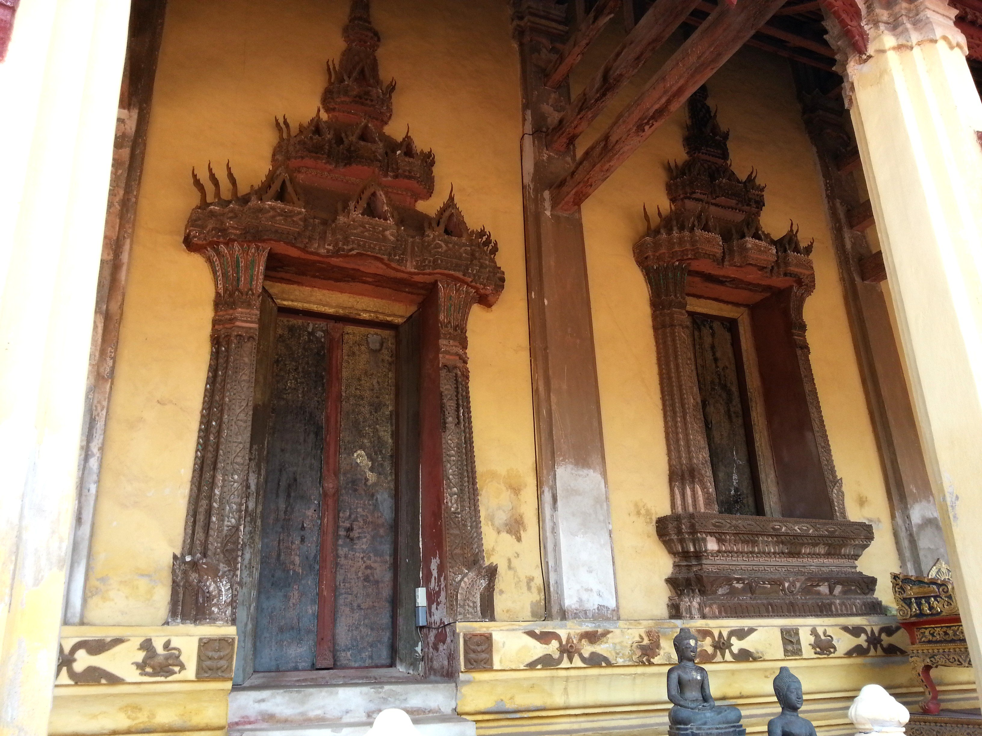 Doors on the temple at Wat Si Sa Ket