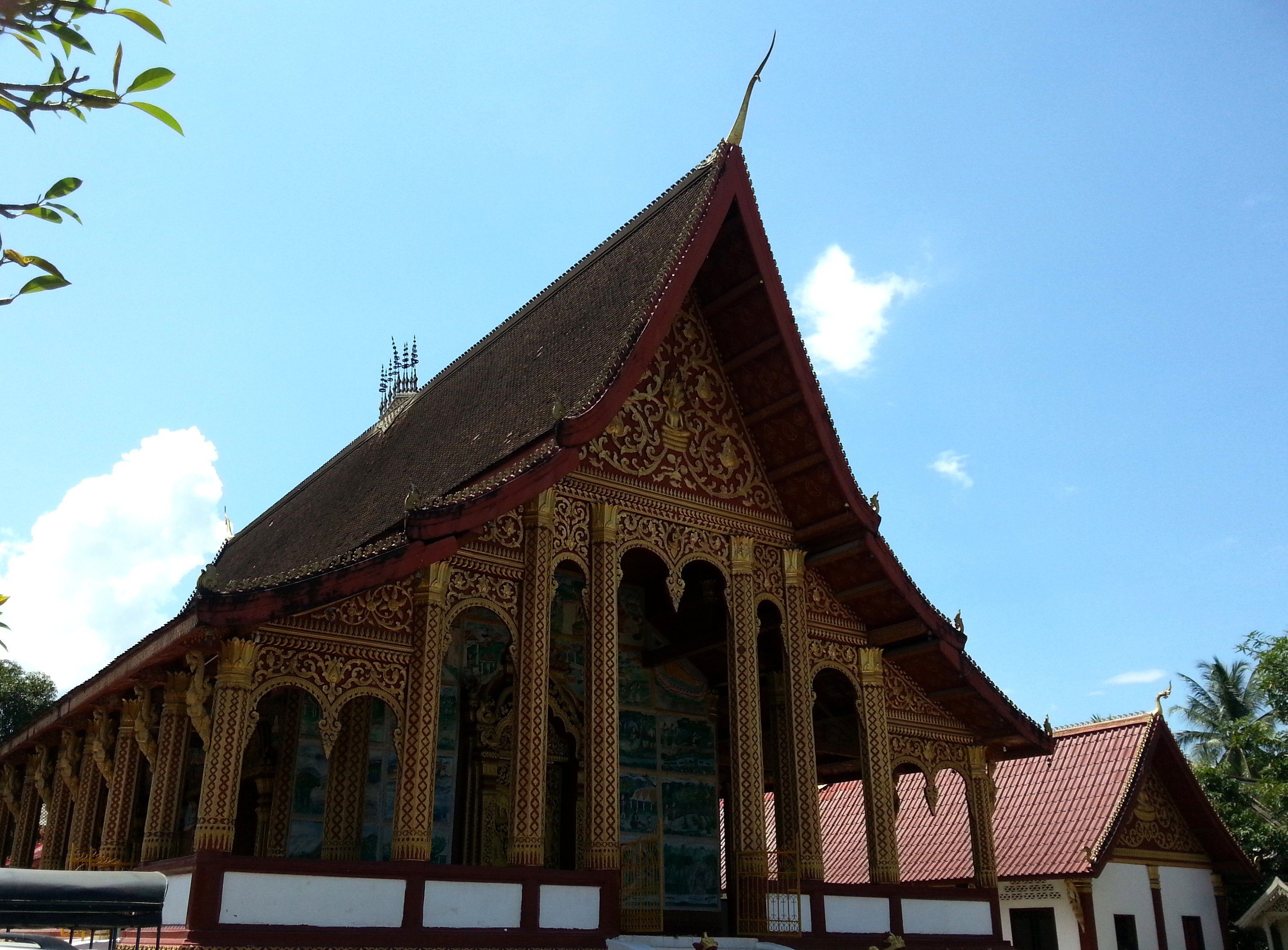 Congregation Hall at Wat Manorom