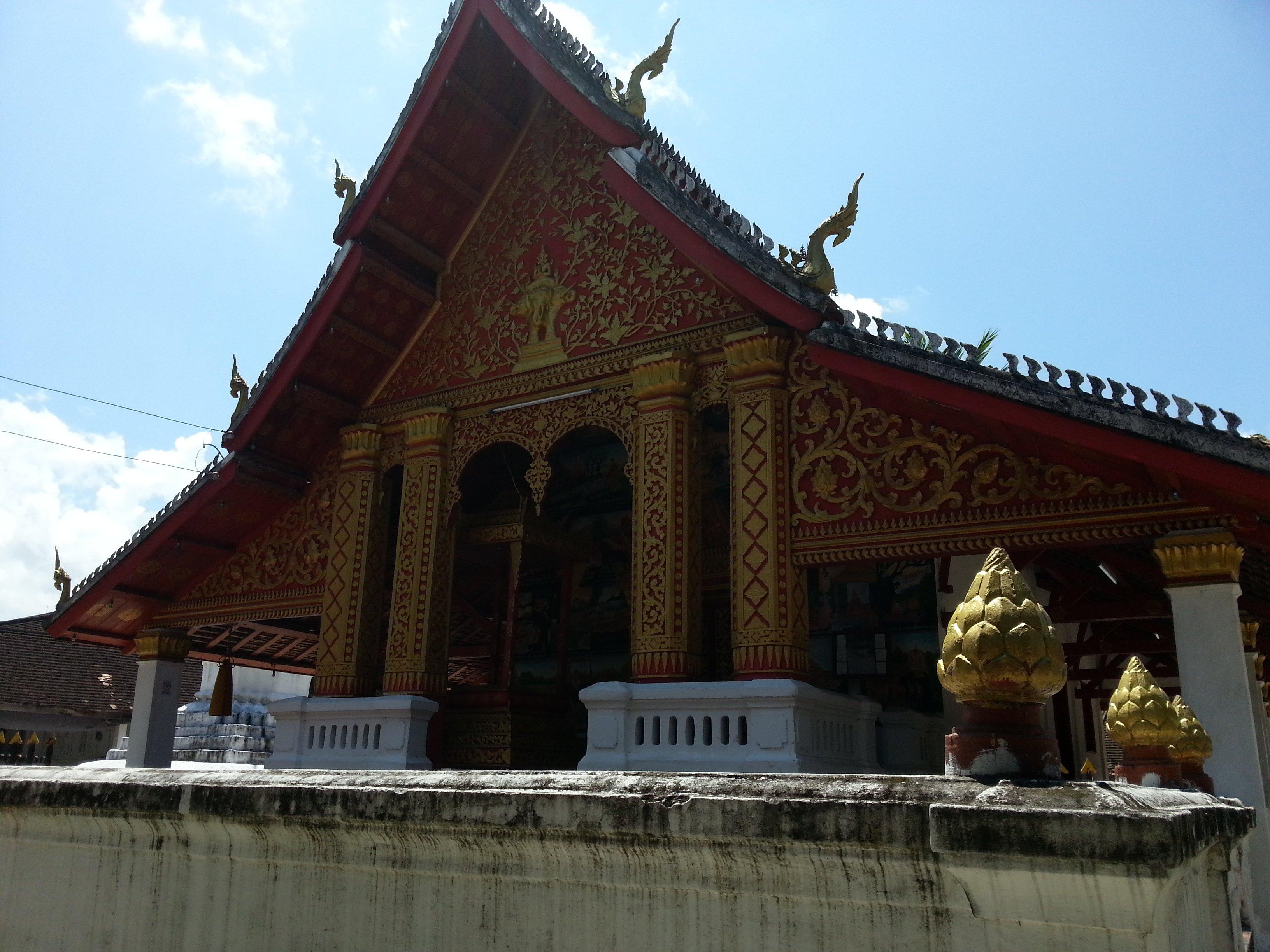 Gold relief at Wat Meun Na