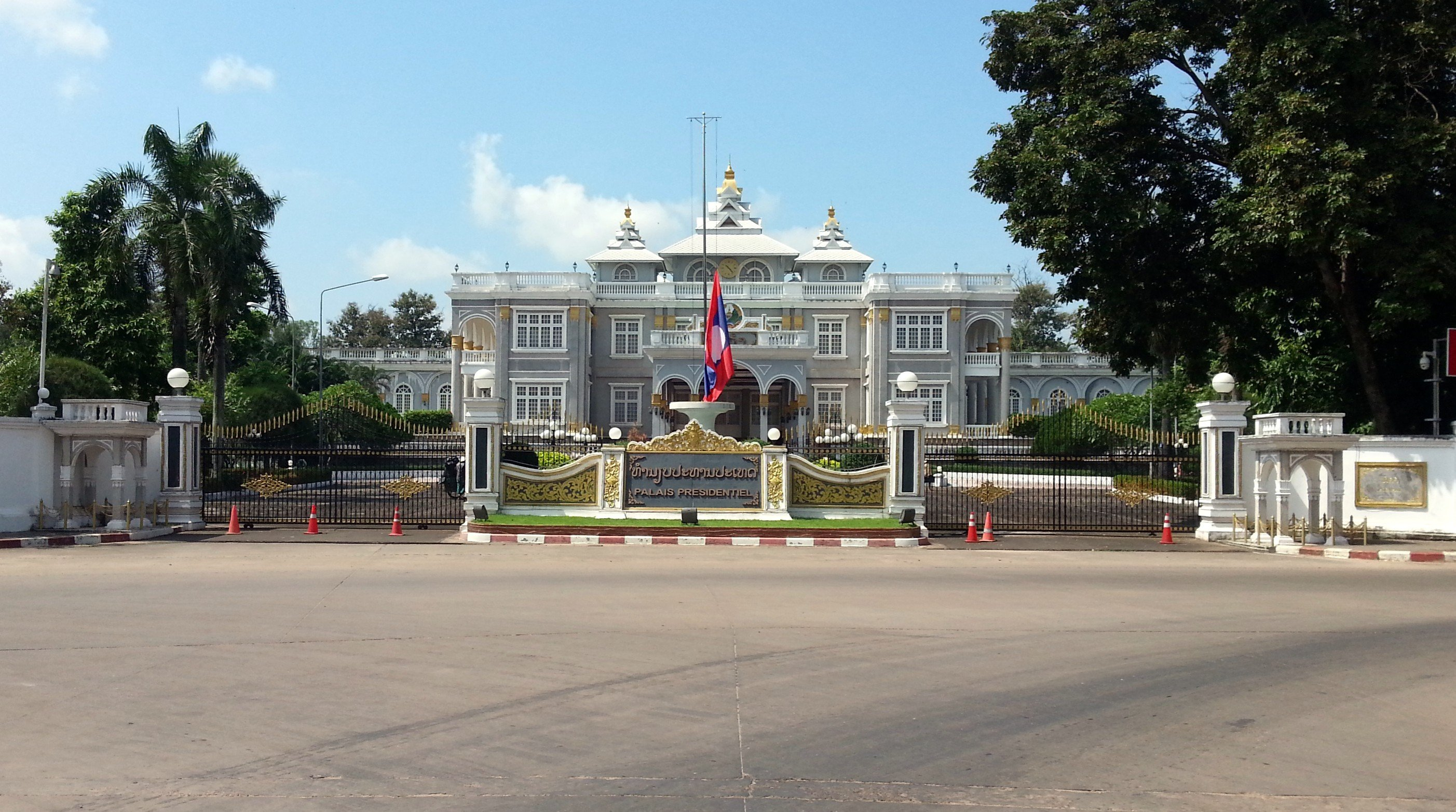 Vientiane Presidential Palace viewed from the Ave Lane Xang