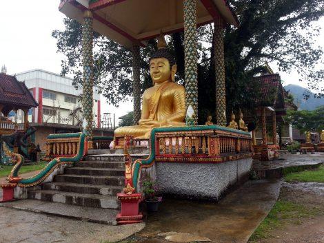 Seated Buddha statue at Wat Kang