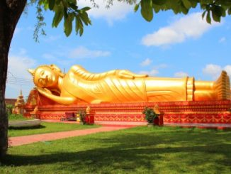 Reclining Buddha at Wat That Luang Neua